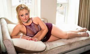 Connie transexual live escorts