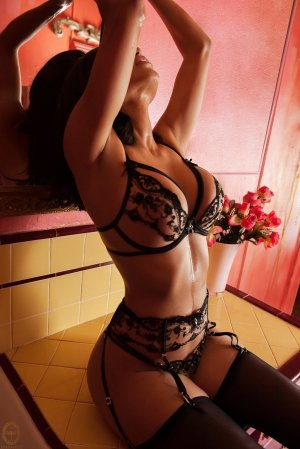 Nathalya transexual escort girl in Rendon Texas