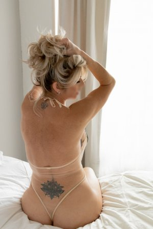 Lillou escort in Cary